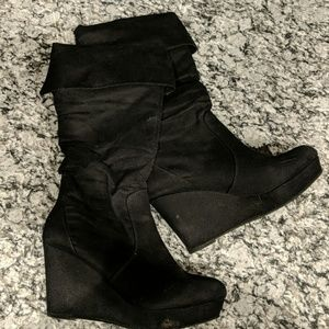 Tall wedge suade boots